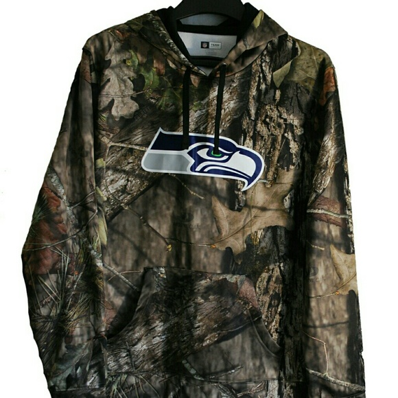 super popular c60ed 8988b Seattle Seahawks NFL Camo Hoodie XL